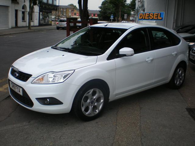 used ford focus 2011 model 1 6 tdci sport 5dr diesel hatchback white for sale in gravesend uk. Black Bedroom Furniture Sets. Home Design Ideas