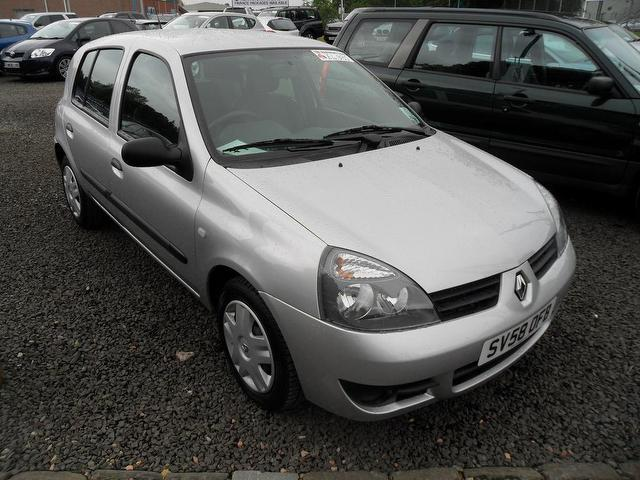 used renault clio car 2008 silver petrol 1 2 campus 2007 5 door hatchback for sale in. Black Bedroom Furniture Sets. Home Design Ideas