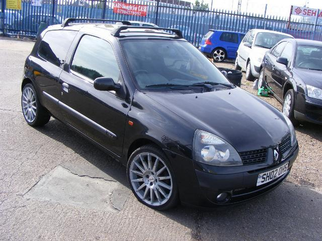 used black renault clio 2002 petrol 1 2 16v dynamique 3dr hatchback in great condition for sale. Black Bedroom Furniture Sets. Home Design Ideas