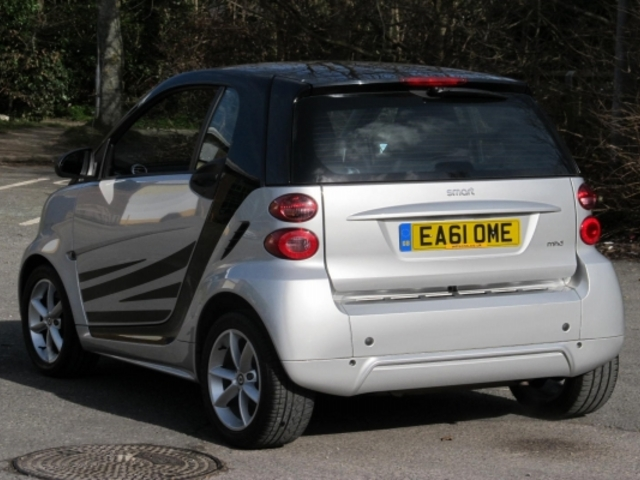 used smart fortwo 2011 unleaded coupe silver edition for sale in epsom uk autopazar. Black Bedroom Furniture Sets. Home Design Ideas
