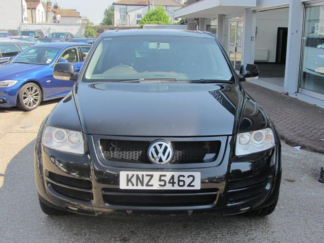 used volkswagen touareg car 2004 black diesel 2 5 tdi 5. Black Bedroom Furniture Sets. Home Design Ideas