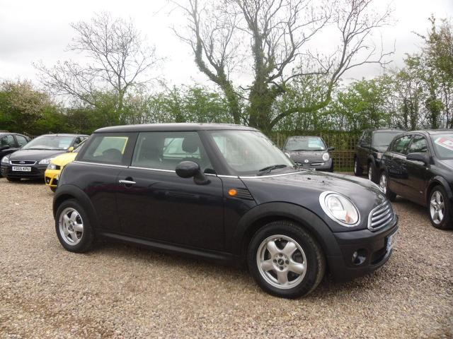 used mini hatch 2007 petrol 1 6 cooper 3dr with hatchback black edition for sale in nuneaton uk. Black Bedroom Furniture Sets. Home Design Ideas