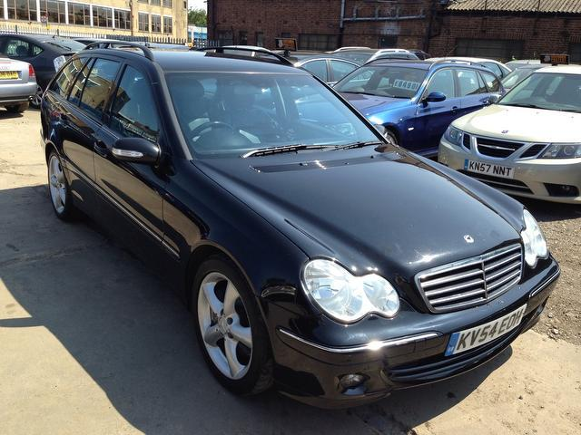 Used mercedes benz 2004 diesel class c220 cdi avantgarde for Mercedes benz for sale in london
