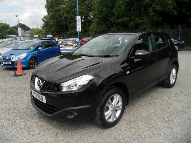 used 2011 nissan qashqai hatchback 2 0 dci acenta 5dr diesel for sale in inveralmond place uk. Black Bedroom Furniture Sets. Home Design Ideas