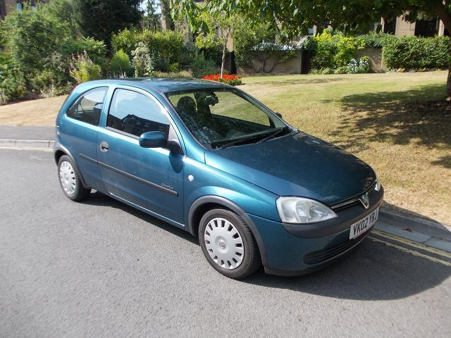 used vauxhall corsa 2002 blue colour petrol 16v comfort 3 door hatchback for sale in. Black Bedroom Furniture Sets. Home Design Ideas