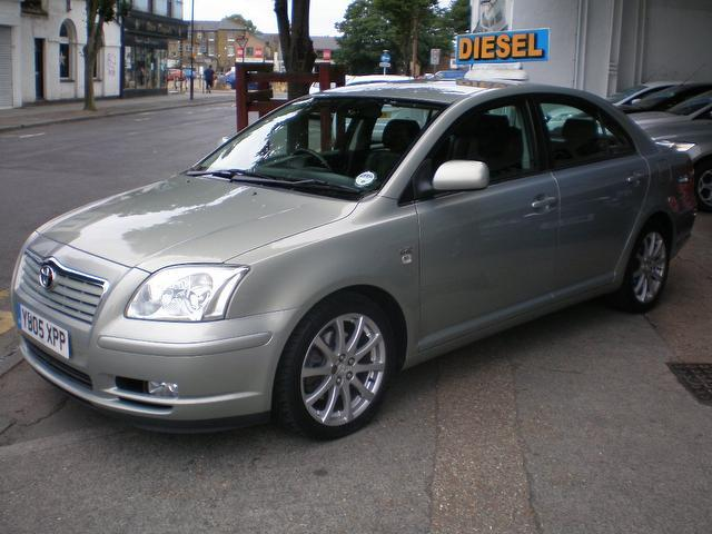 Used Toyota Avensis 2.0 D-4d T Spirit Saloon Silver 2005 Diesel for Sale in UK