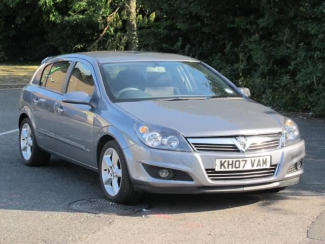 Used Vauxhall Astra 2007 Gray Paint Petrol For Sale In