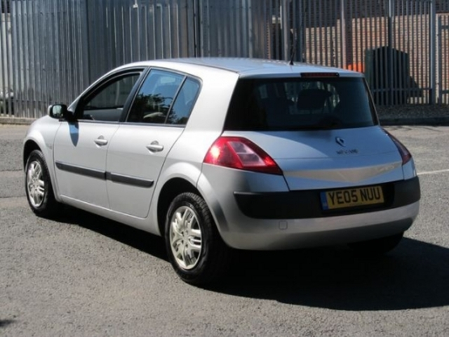 used renault megane 2005 petrol silver manual for sale in epsom uk autopazar. Black Bedroom Furniture Sets. Home Design Ideas