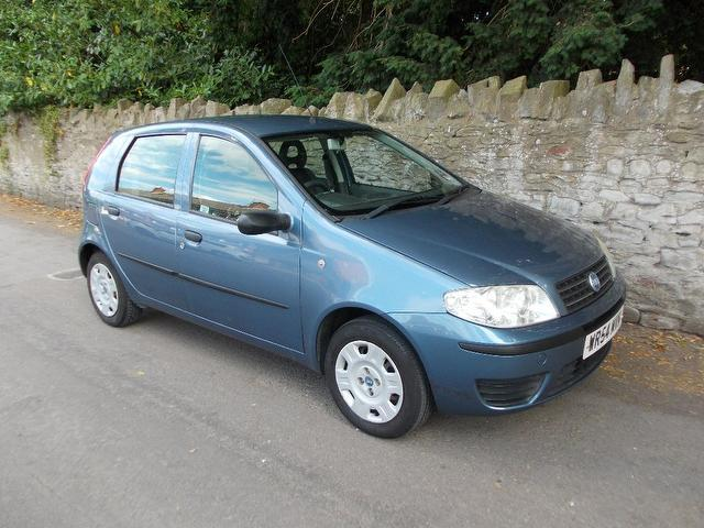 used fiat punto 2004 blue paint petrol 1 2 active 5dr hatchback for sale in keynsham uk autopazar. Black Bedroom Furniture Sets. Home Design Ideas
