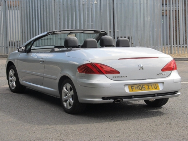 used 2006 peugeot 307 silver edition cc petrol for sale in. Black Bedroom Furniture Sets. Home Design Ideas