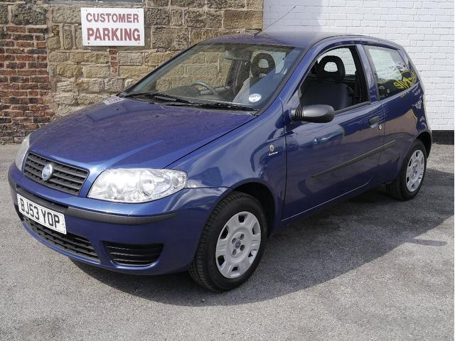 used fiat punto 2003 model 1 2 active 3dr petrol hatchback blue for sale in wakefield uk autopazar. Black Bedroom Furniture Sets. Home Design Ideas