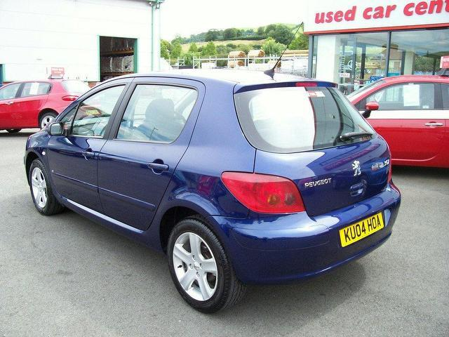 used peugeot 307 2004 petrol 2 0 se 16v ac hatchback blue automatic for sale in oswestry uk. Black Bedroom Furniture Sets. Home Design Ideas