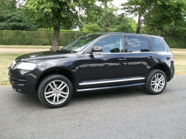 used volkswagen touareg 2006 diesel 2 5 tdi altitude dpf 4x4 black with airbag for driver sale. Black Bedroom Furniture Sets. Home Design Ideas