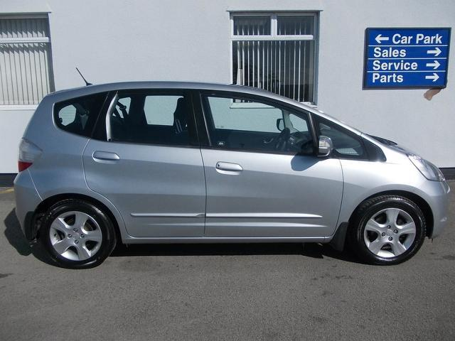 Used Honda Jazz Car 2009 Silver Petrol 1 4 I Vtec Es 5 Door Hatchback For Sale In Wirral Uk