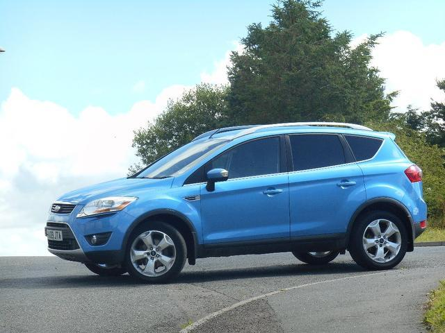 used ford kuga 2009 diesel 2 0 tdci zetec 5dr estate blue. Black Bedroom Furniture Sets. Home Design Ideas