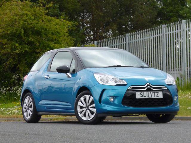 used citroen ds3 2011 blue colour petrol 1 4 vti 16v dsign hatchback for sale in turrif uk. Black Bedroom Furniture Sets. Home Design Ideas