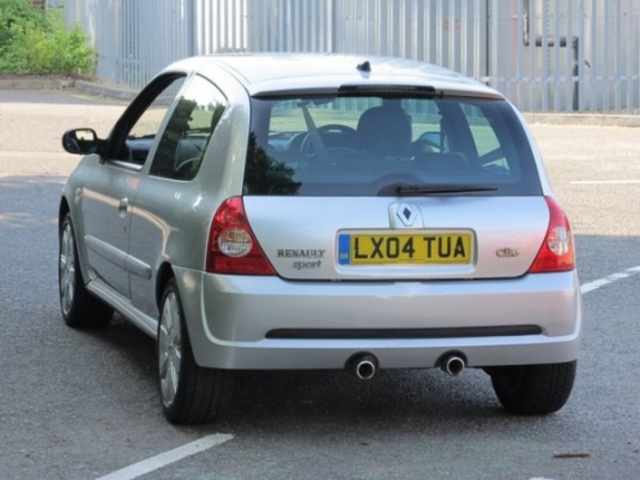 used renault clio 2004 petrol silver manual for sale in epsom uk autopazar. Black Bedroom Furniture Sets. Home Design Ideas