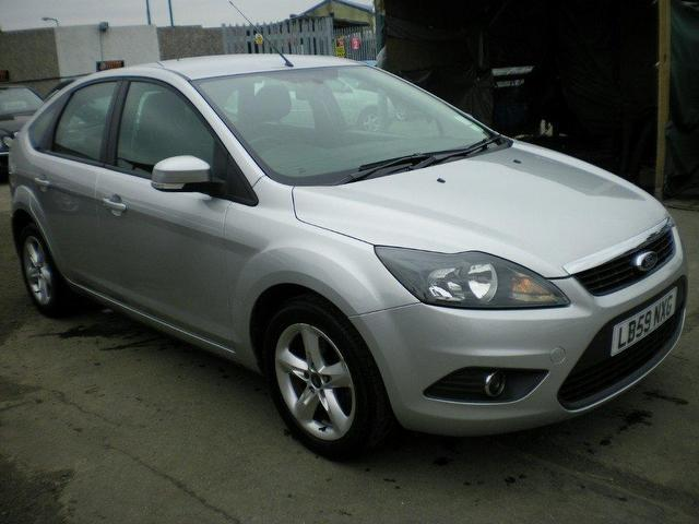 Used Ford Focus 2010 Petrol 1 6 Zetec 5dr One Owner