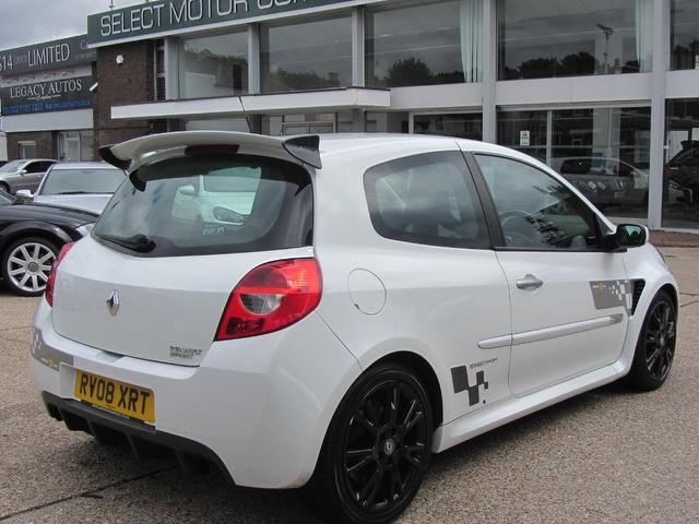 Used Renault Clio 2.0 16v Renaultsport 197 Hatchback White 2008 Petrol for Sale in UK