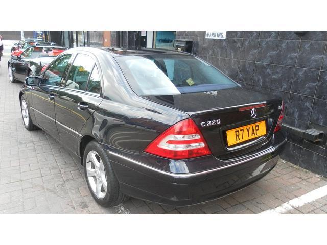 Used mercedes benz 2005 diesel class c220 cdi avantgarde for 2005 mercedes benz e320 cdi diesel for sale