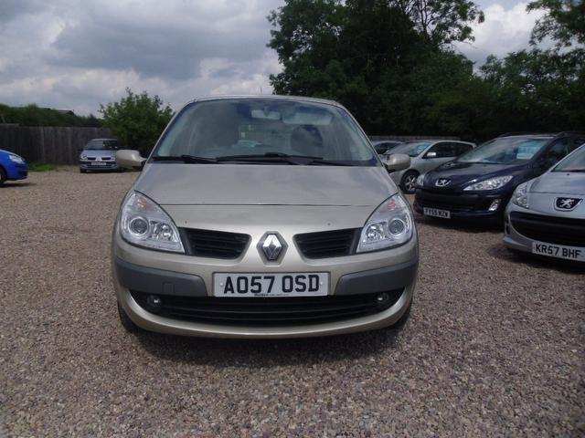 Used Renault Scenic 1.6 Vvt Dynamique 5 Door Estate Gold 2007 Petrol for Sale in UK