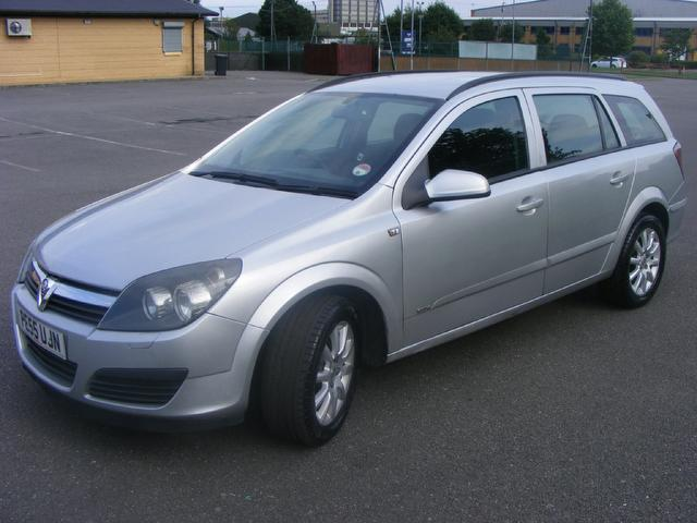 used vauxhall astra 2005 diesel 1 7 cdti 16v club estate silver edition for sale in wembley uk. Black Bedroom Furniture Sets. Home Design Ideas