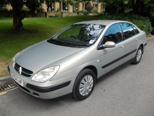 used citroen c5 2004 diesel 2 0 hdi 110 lx hatchback beige. Black Bedroom Furniture Sets. Home Design Ideas