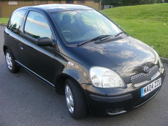 used toyota yaris 2004 petrol 1 3 vvt i t3 3dr hatchback black manual for sale in wembley uk. Black Bedroom Furniture Sets. Home Design Ideas