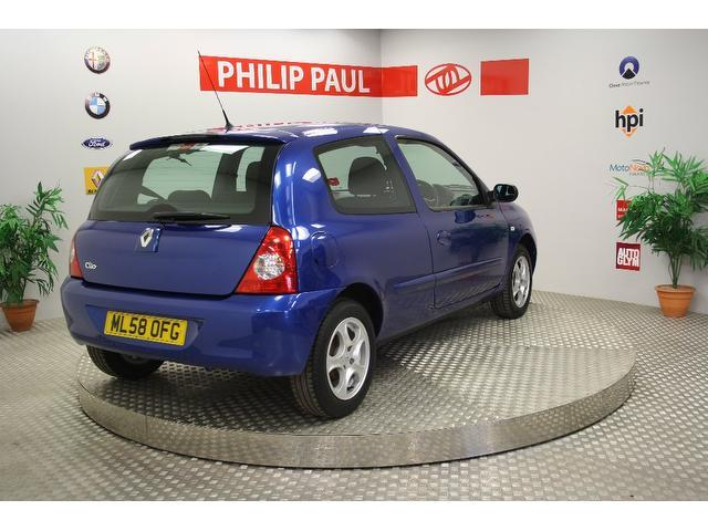 used blue renault clio 2008 petrol 1 2 16v campus sport hatchback excellent condition for sale. Black Bedroom Furniture Sets. Home Design Ideas