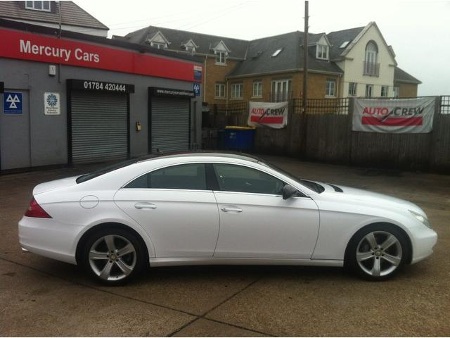 Used white mercedes benz 2009 diesel cls 320 cdi 4dr for Used mercedes benz cls for sale