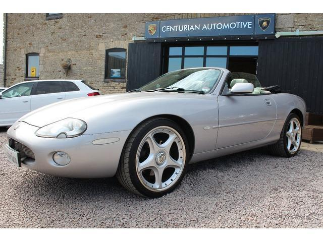 used jaguar xk car 2000 silver petrol 4 0 supercharged 2 door auto coupe for sale in kettering. Black Bedroom Furniture Sets. Home Design Ideas