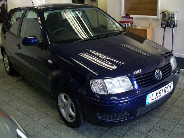 used volkswagen polo 2001 petrol 1 4 s 5dr auto hatchback blue automatic for sale in keynsham uk. Black Bedroom Furniture Sets. Home Design Ideas