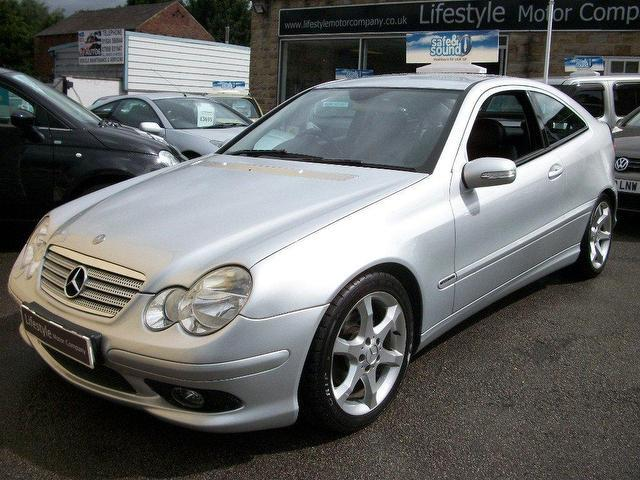 Used mercedes benz 2005 diesel class c220 cdi sport coupe for Mercedes benz 2005 for sale
