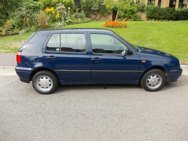 Used Volkswagen Golf 1.6 Cl 5 Door 1 Hatchback Blue 2000 Petrol for Sale in UK