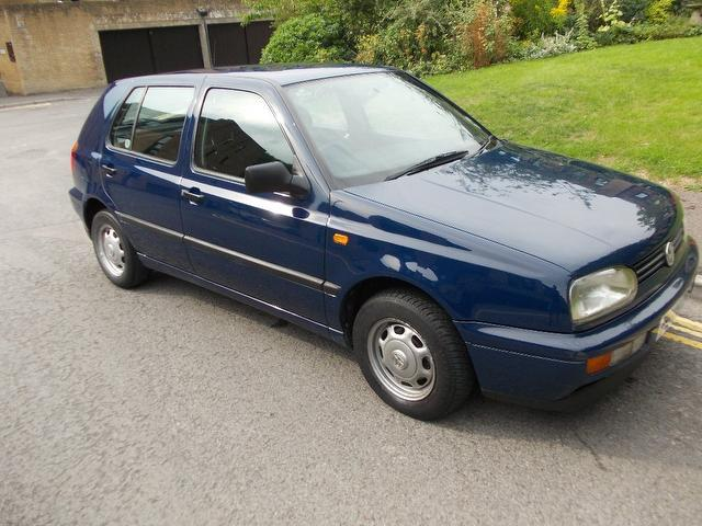 used volkswagen golf 2000 petrol 1 6 cl 5dr 1 hatchback blue with for sale autopazar. Black Bedroom Furniture Sets. Home Design Ideas