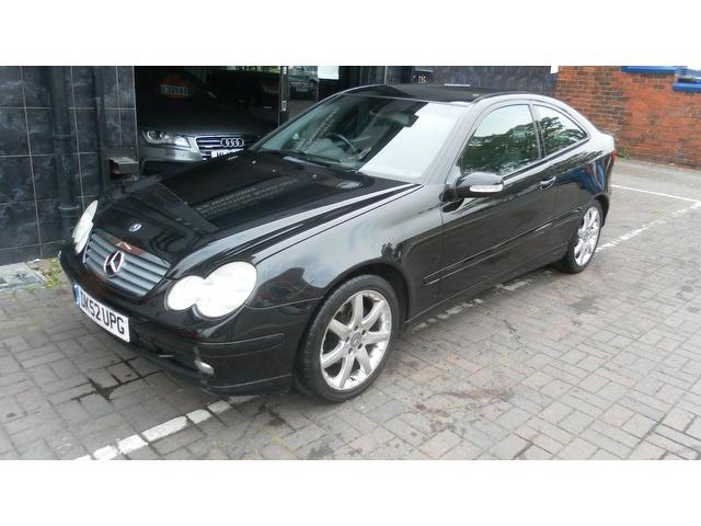 Used mercedes benz 2002 black paint petrol class c180k se for Used mercedes benz sale