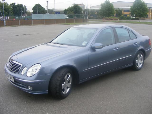 used mercedes benz 2004 diesel class e220 cdi avantgarde saloon blue edition for sale in wembley. Black Bedroom Furniture Sets. Home Design Ideas