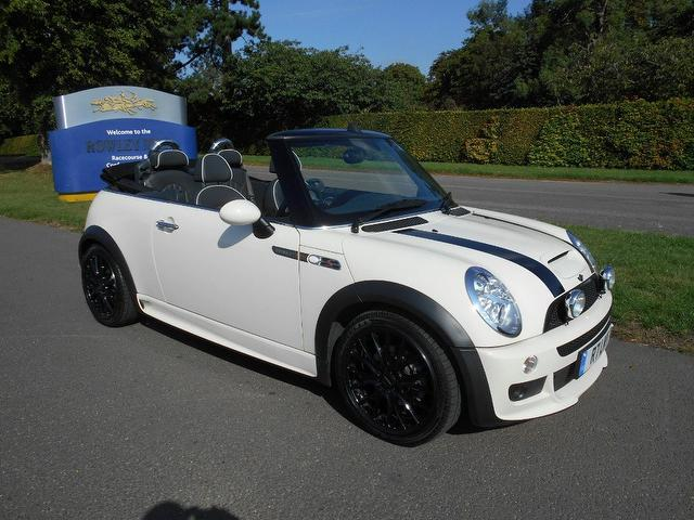 used 2008 mini convertible 1 6 cooper s sidewalk petrol for sale in newmarket uk autopazar. Black Bedroom Furniture Sets. Home Design Ideas