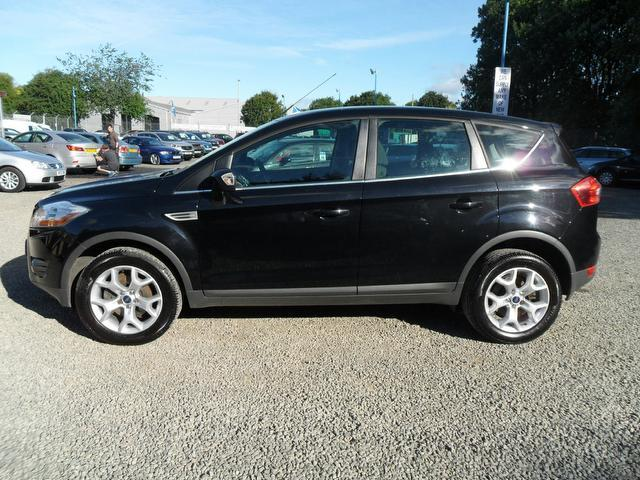 used ford kuga 2010 diesel 2 0 tdci zetec 5dr estate black. Black Bedroom Furniture Sets. Home Design Ideas