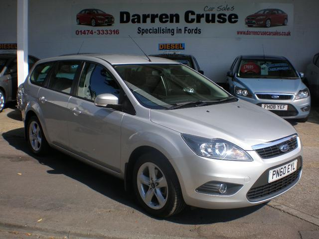 used ford focus 2010 silver paint petrol 1 6 zetec 5dr auto estate for sale in gravesend uk. Black Bedroom Furniture Sets. Home Design Ideas
