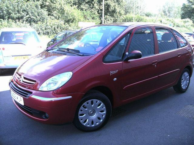 used citroen xsara 2006 diesel picasso 1 6 hdi 92 estate red manual for sale in oswestry uk. Black Bedroom Furniture Sets. Home Design Ideas