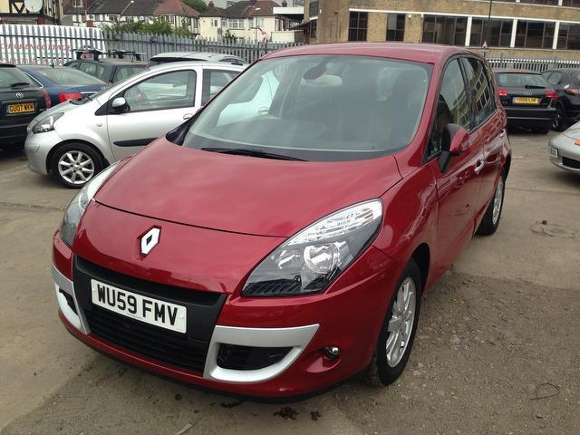 used renault scenic car 2010 red petrol 2 0 privilege 5 door cvt estate for sale in wembley uk. Black Bedroom Furniture Sets. Home Design Ideas