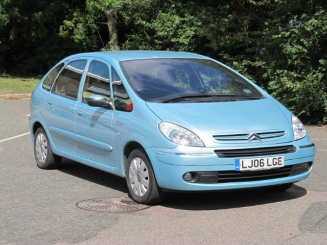 used citroen xsara car 2006 blue diesel picasso for sale. Black Bedroom Furniture Sets. Home Design Ideas