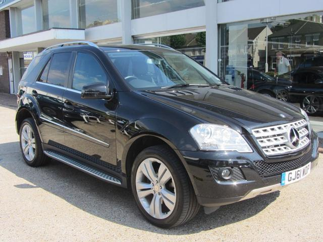 Used mercedes benz 2011 black paint diesel class ml300 cdi for Mercedes benz uk used