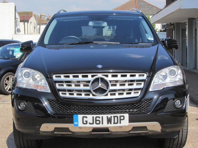 Used mercedes benz 2011 black paint diesel class ml300 cdi for Mercedes benz navigation system for sale