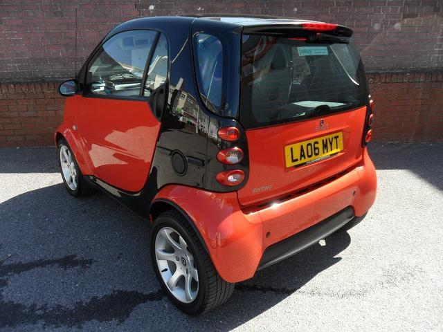 used smart fortwo 2006 automatic petrol pulse 2 door auto 0 7 black for sale uk autopazar. Black Bedroom Furniture Sets. Home Design Ideas