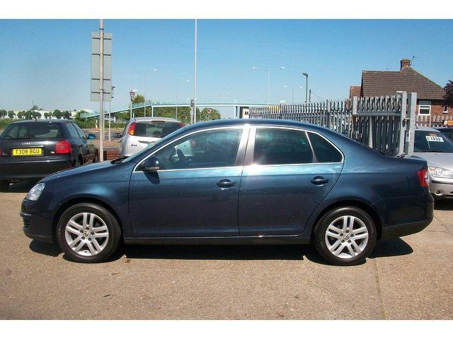 used volkswagen jetta 2007 diesel 2 0 se tdi pd saloon blue automatic for sale in ashford uk. Black Bedroom Furniture Sets. Home Design Ideas