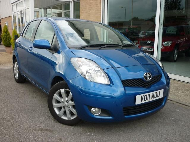 used toyota yaris 2011 diesel 1 4 d 4d t spirit hatchback blue edition for sale in wakefield uk. Black Bedroom Furniture Sets. Home Design Ideas