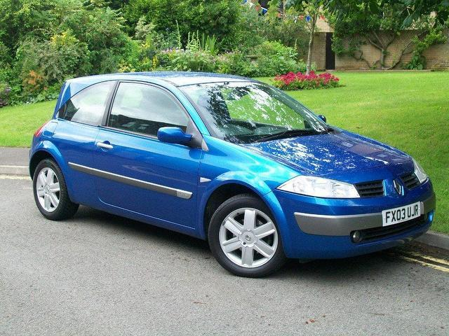 used renault megane 2003 petrol 1 6 vvt dynamique 3dr hatchback blue manual for sale in keynsham. Black Bedroom Furniture Sets. Home Design Ideas