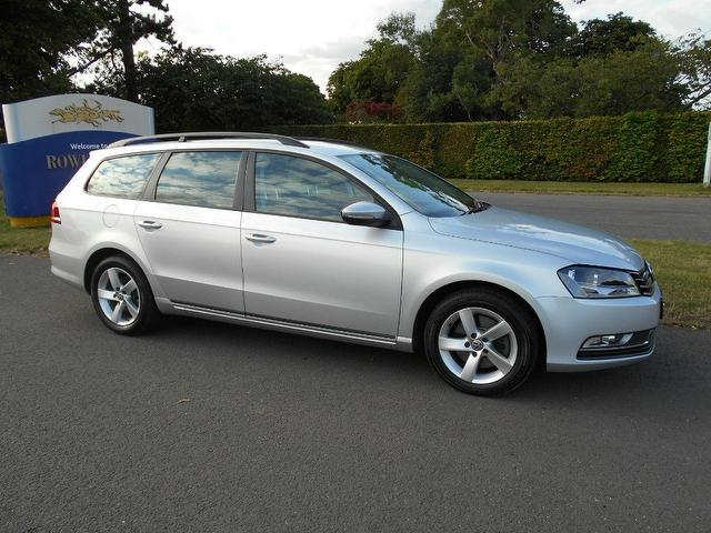used silver volkswagen passat 2011 diesel 1 6 tdi bluemotion tech estate excellent condition for. Black Bedroom Furniture Sets. Home Design Ideas